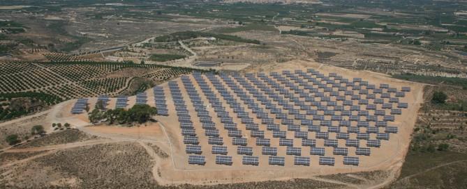 campo solar de Soltec cuyos paneles y componentes han sido transportados por la empresa Morarte Logistics