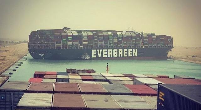 Atasco del buque Ever Given en el Canal de Suez, artículo de Morarte Logisitcs SL