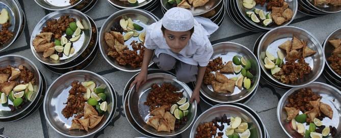 Ramadam Kareem a los clientes de Morarte Logistics SL