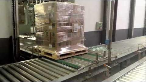 palets con cajas de mascarillas para el envío aereo realizado por Morarte Logitics